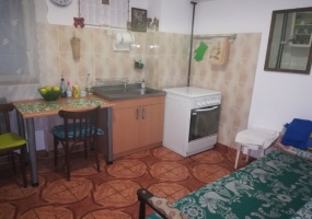 Zona Stadion,Botosani,Botosani,Romania,3 Bedrooms Bedrooms,4 Rooms Rooms,2 BathroomsBathrooms,Apartament 4+ camere,2,2005