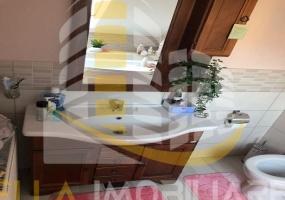 Zona Grivita, Botosani, Botosani, Romania, 3 Bedrooms Bedrooms, 4 Rooms Rooms,1 BathroomBathrooms,Apartament 4+ camere,De vanzare,2839