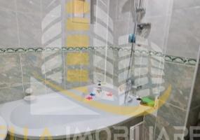 Zona Carrefour, Botosani, Botosani, Romania, 3 Bedrooms Bedrooms, 4 Rooms Rooms,2 BathroomsBathrooms,Apartament 4+ camere,De vanzare,1,3592